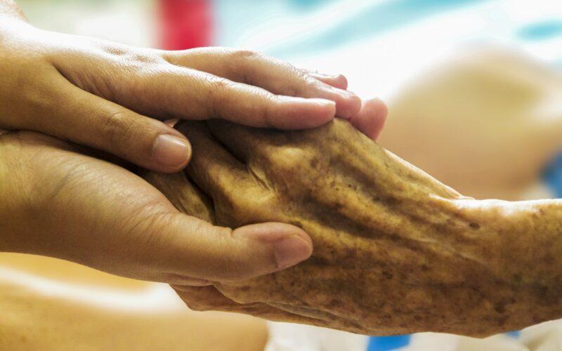 Cure palliative, in Italia solo 1 malato su 4 accede ai trattamenti